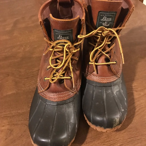 Size 8 Leather and Rubber Vintage Bass Ankle Duck Boots